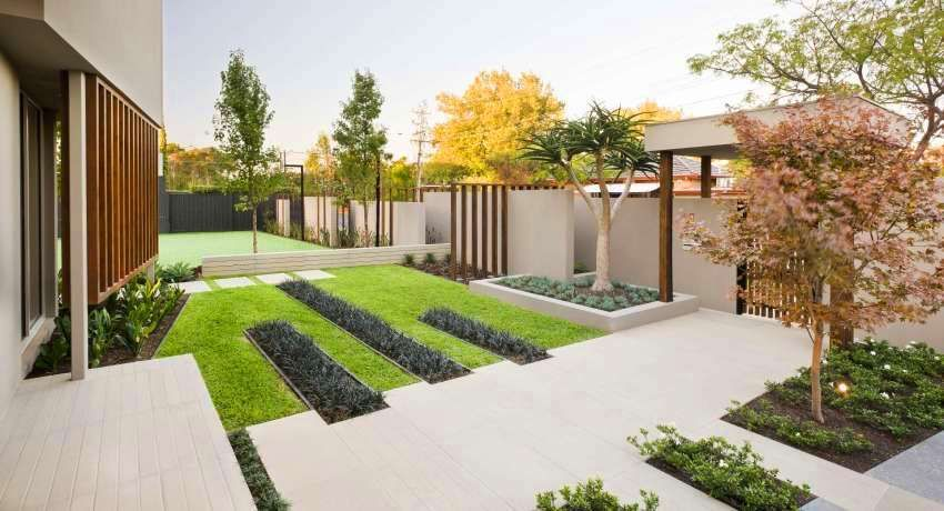 Reka bentuk landskap halaman sebuah rumah persendirian ...