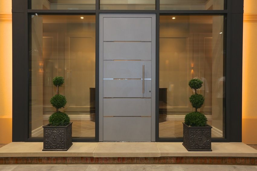 Pintu masuk dengan kaca untuk rumah persendirian: contoh ...